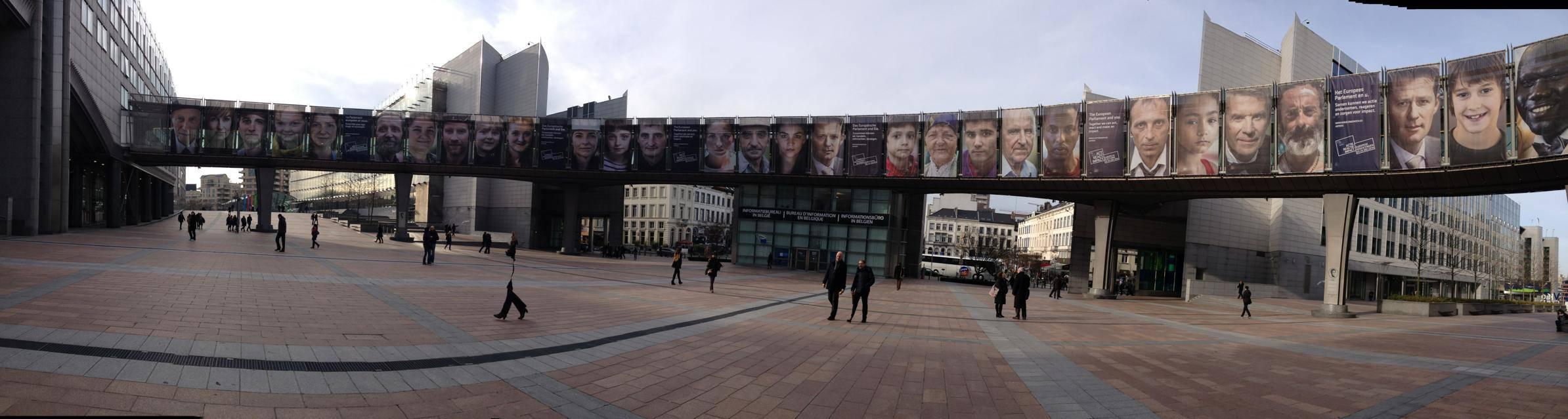 Il trailer presentato al parlamento europeo emergency for Oggi al parlamento